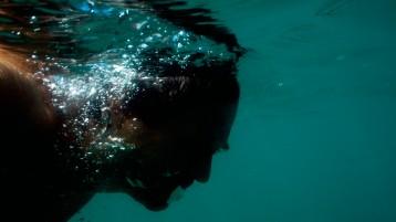 autoportrait - plage - porto da Barra, Salvador de Bahia, Brésil - photographie © Marc Dumas